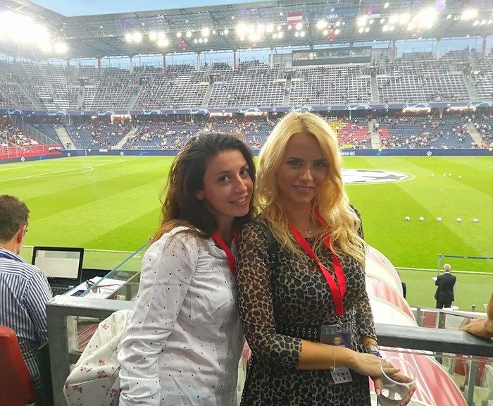 Η καλλονή Τατιάνα Σαΐκοβιτς έβαλε ήδη... γκολ στο Καραϊσκάκη  [εικόνες] - εικόνα 7