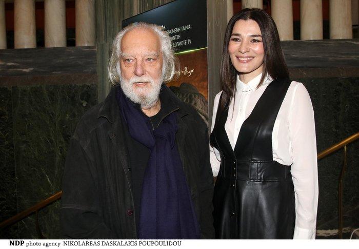 Μαρία Ναυπλιώτου: Με απίθανο δερμάτινο φόρεμα Zara σε θεατρική πρεμιέρα - εικόνα 3
