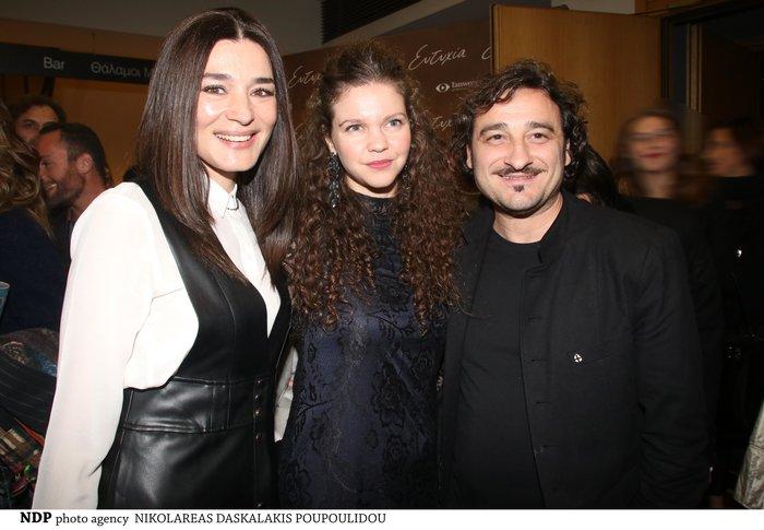 Μαρία Ναυπλιώτου: Με απίθανο δερμάτινο φόρεμα Zara σε θεατρική πρεμιέρα - εικόνα 4