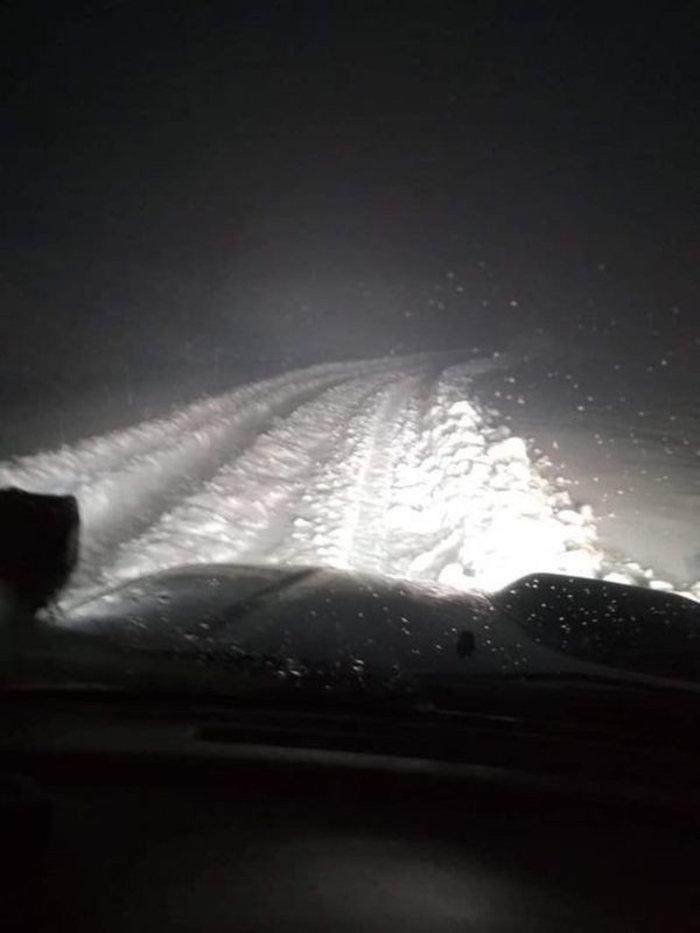 Στα λευκά η Βασιλίτσα: Πάνω από μισό μέτρο το χιόνι [εικόνες] - εικόνα 2