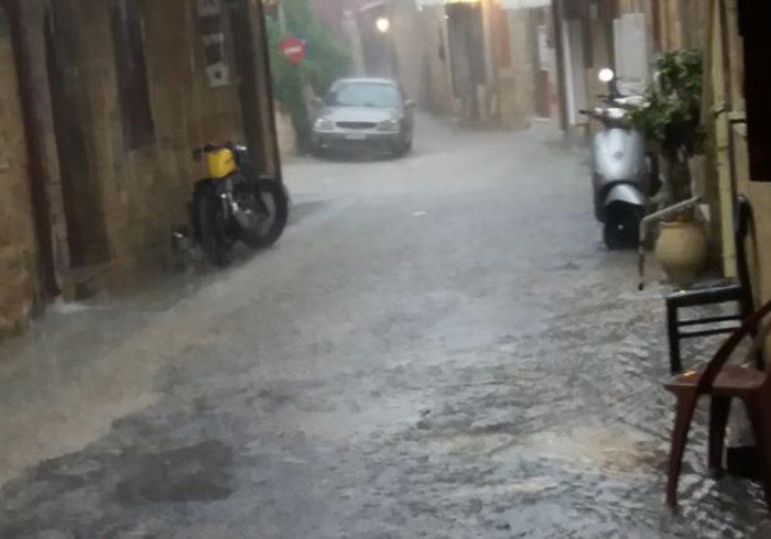 Σάρωσε τη χώρα η «Διδώ»: Πλημμύρες, χιόνια και χαλάζι - εικόνα 6