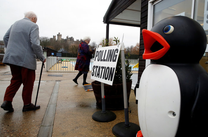 Βρετανία: Ουρές σε εκλογικά κέντρα - Ψήφισαν οι αρχηγοί - εικόνα 3