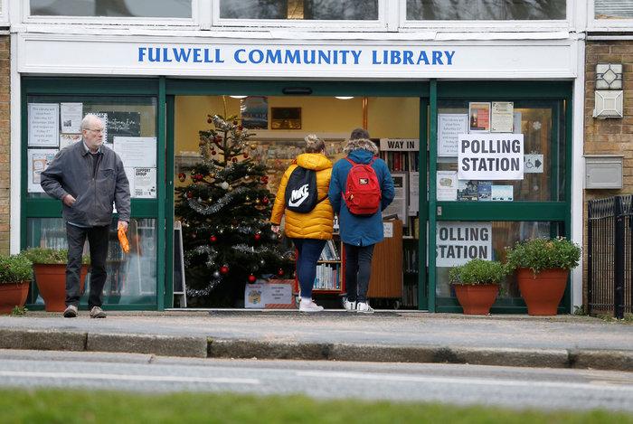 Βρετανία: Ουρές σε εκλογικά κέντρα - Ψήφισαν οι αρχηγοί - εικόνα 2