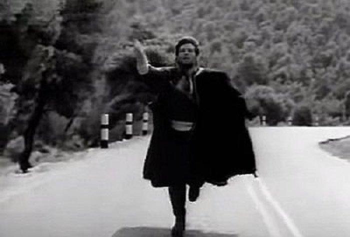 Ο Στάνκογλου φοράει την κάπα του Βόγλη στο «Στάσου Μύγδαλα» [βίντεο]