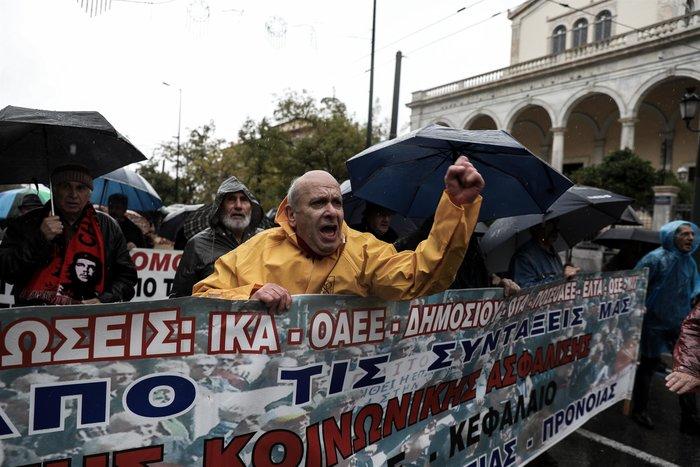 Πορεία συνταξιούχων στην Αθήνα, συναντηση στο Μαξίμου