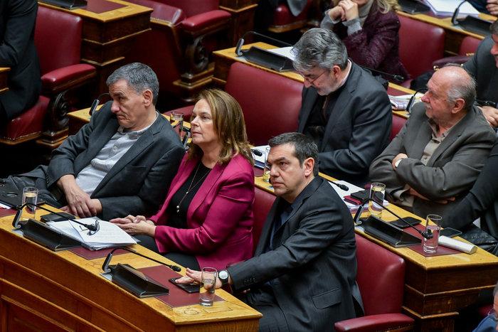 Βουλή: Όταν η Νίνα Κασιμάτη συνάντησε τον Πολάκη - εικόνα 3