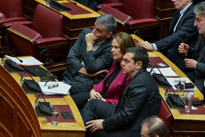 Βουλή: Όταν η Νίνα Κασιμάτη συνάντησε τον Πολάκη - εικόνα 4