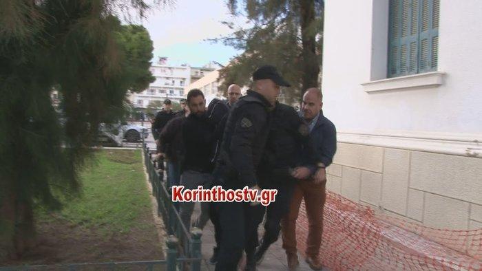 Στον εισαγγελέα οι 2 δράστες: «Φτου σας φονιάδες» τους φώναξαν - εικόνα 3