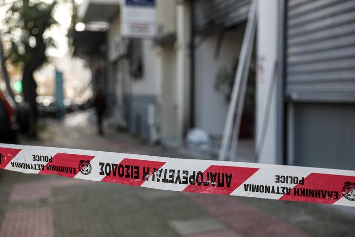Περιστέρι: Εκρηξη σε πολυκατοικία -Τι «βλέπει» η Αστυνομία - εικόνα 2
