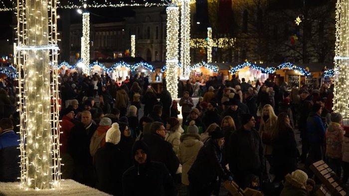 Οι «παραμυθένιες»  χριστουγεννιάτικες αγορές της Ευρώπης - εικόνα 2