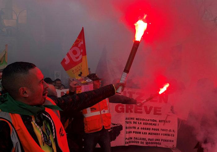 Χάος στη Γαλλία: Aπεργοί έκοψαν το ρεύμα σε χιλιάδες σπίτια