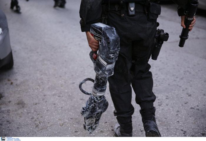 Καρέ καρέ οι εκκενώσεις καταλήψεων στο Κουκάκι [εικόνες & βίντεο] - εικόνα 3