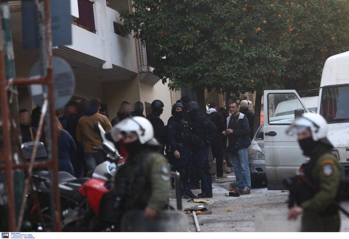 Καρέ καρέ οι εκκενώσεις καταλήψεων στο Κουκάκι [εικόνες & βίντεο] - εικόνα 9
