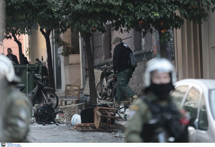 Καρέ καρέ οι εκκενώσεις καταλήψεων στο Κουκάκι [εικόνες & βίντεο] - εικόνα 11