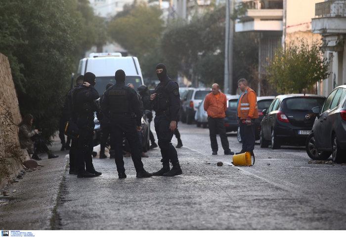 Καρέ καρέ οι εκκενώσεις καταλήψεων στο Κουκάκι [εικόνες & βίντεο] - εικόνα 12