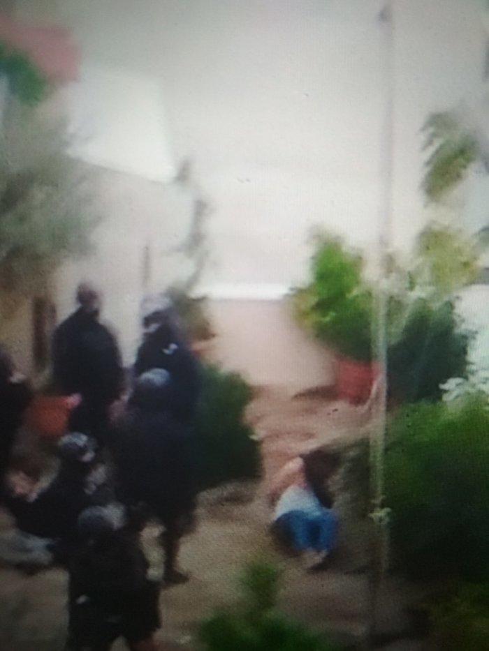 Καρέ καρέ οι εκκενώσεις καταλήψεων στο Κουκάκι [εικόνες & βίντεο] - εικόνα 18