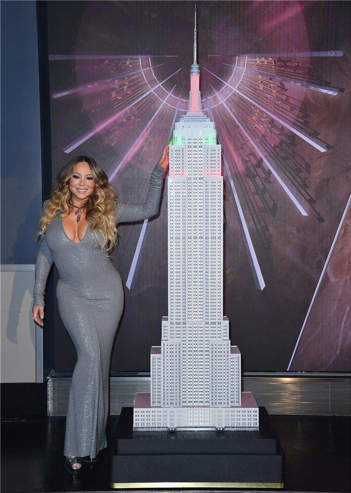 Η Μαράια Κάρεϊ φωταγώγησε το Empire State Building