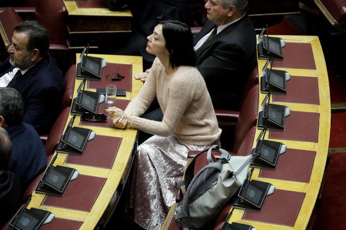 Βουλή: Το άλμπουμ της συζήτησης - Ποιές τράβηξαν τα φλας - εικόνα 3