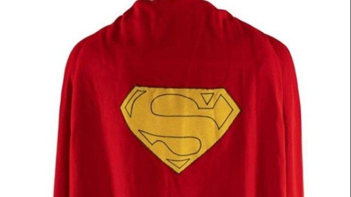 Η πρώτη κάπα του Superman πωλήθηκε 200.000 δολ.
