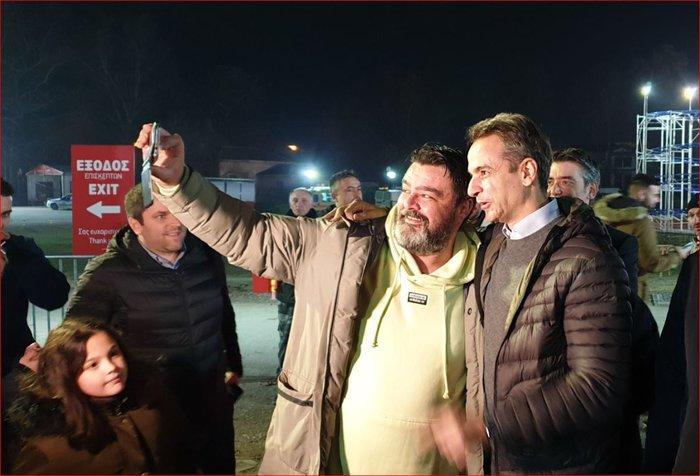 Ο Κυρ.Μητσοτάκης στον Πύργο των Ξωτικών - Χαμόγελα και selfies - εικόνα 5