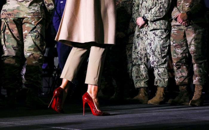 Τα εντυπωσιακά κόκκινα τακούνια της Μελάνια Τραμπ