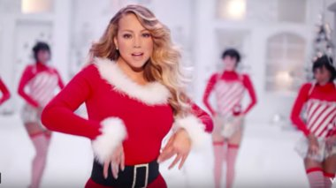 neo-videoclip-gia-to-all-i-want-for-christmas-is-you-apo-tin-maraia-karei