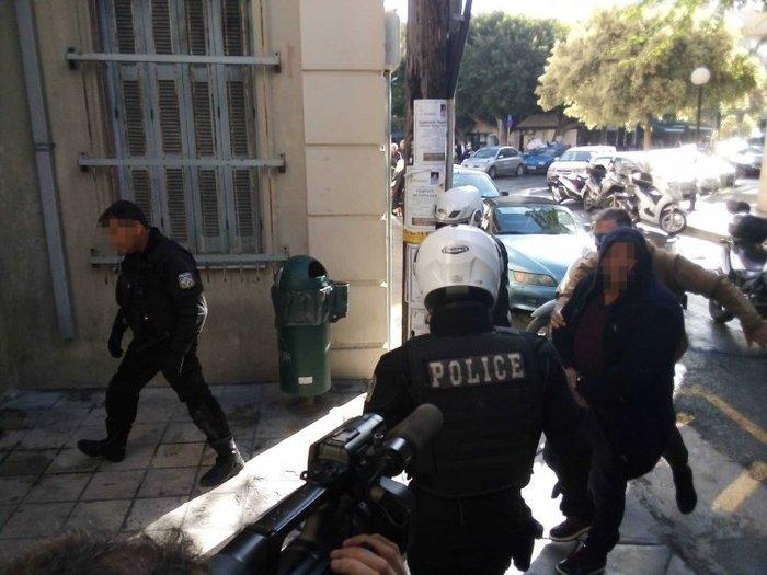 Κρήτη: Ψυχρός & ατάραχος στον Εισαγγελέα ο συζυγοκτόνος [εικόνες & βίντεο] - εικόνα 2