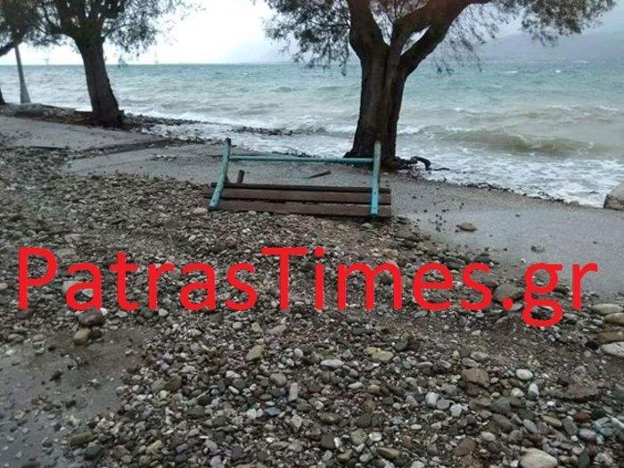 Πάτρα: Η θαλασσοταραχή έβγαλε τόνους πέτρες στην παραλιακή [εικόνες]