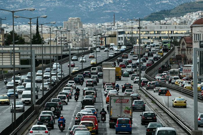 Οι Αθηναίοι... πήραν τα βουνά: Εικόνες από την Αθηνών - Λαμίας - εικόνα 2