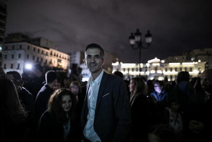 Η Αθήνα πλημμύρισε με τη χριστουγεννιάτικη «νύχτα των ευχών» - εικόνα 5