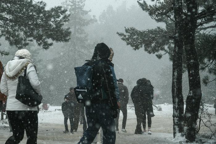 """Χιόνια στην Πάρνηθα - """"Στα λευκά"""" το Μπάφι {φωτό}"""