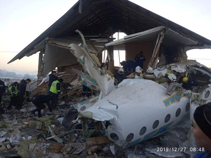 Τραγωδία στο Καζακστάν: Πως σώθηκαν 60 επιβάτες [εικόνες & βίντεο] - εικόνα 3