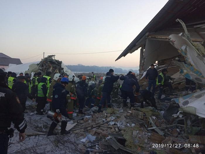 Τραγωδία στο Καζακστάν: Πως σώθηκαν 60 επιβάτες [εικόνες & βίντεο] - εικόνα 7
