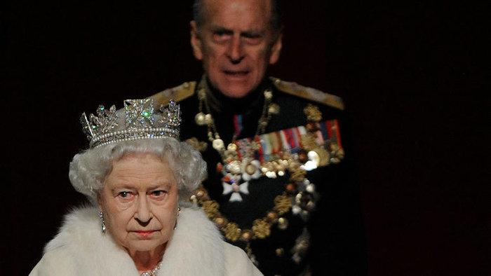 Βασίλισσα Ελισάβετ: Δεν πήγε στο νοσοκομείο να δει τον Φίλιππο - Η ερμηνεία - εικόνα 6
