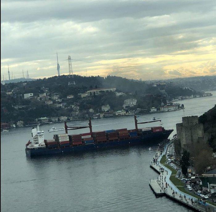 Πλοίο προσέκρουσε στην ακτή του Βοσπόρου στην Πόλη- Κλειστά τα Στενά