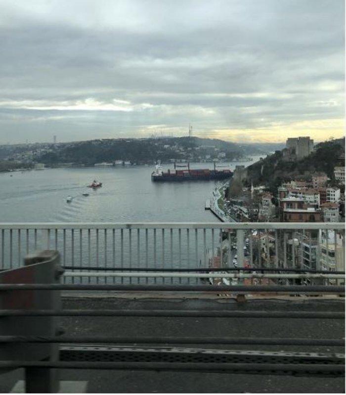 Πλοίο προσέκρουσε στην ακτή του Βοσπόρου στην Πόλη- Κλειστά τα Στενά - εικόνα 2