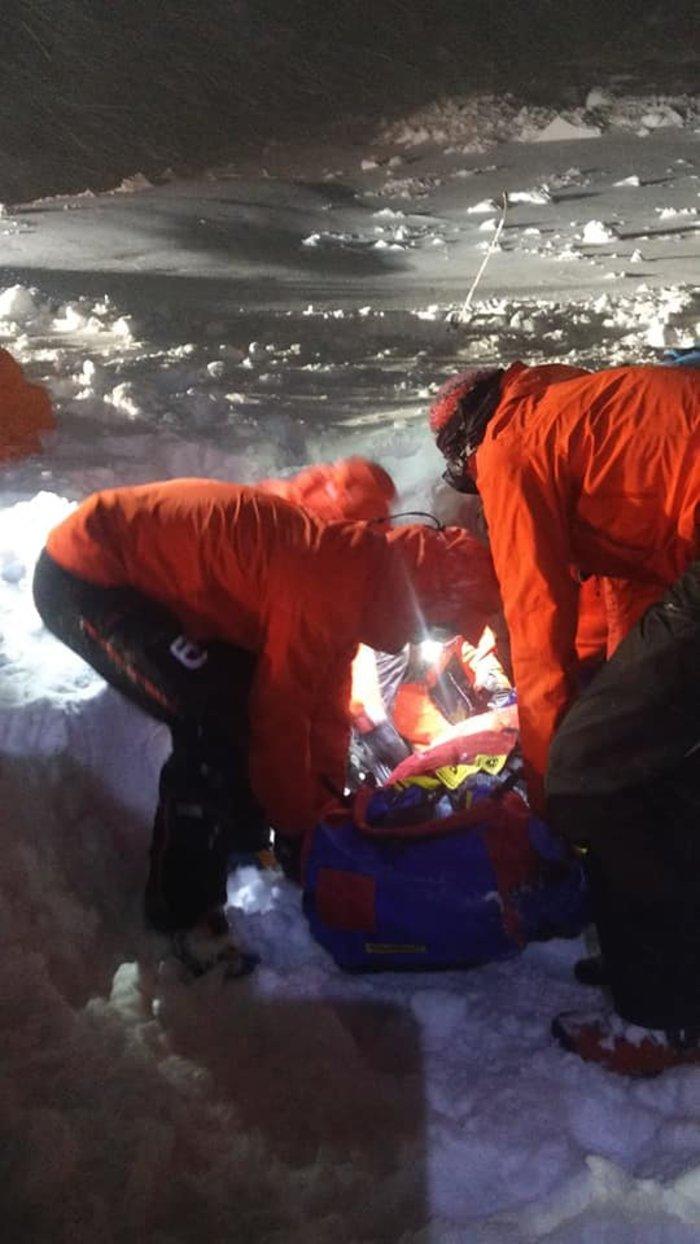 Θαύμα: Σκιέρ στην Αυστρία έμεινε κάτω από το χιόνι 5 ώρες- Και όμως επέζησε - εικόνα 3