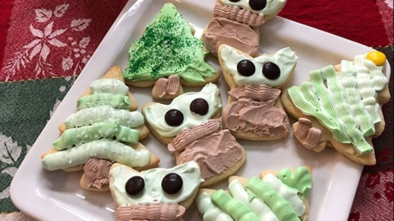 Μπισκοτάκια «baby Yoda» για τις γιορτές