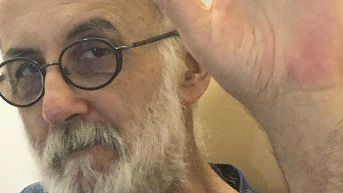 Θάνος Μικρούτσικος: Η ιστορία μιας υπέροχης, πλούσιας ζωής