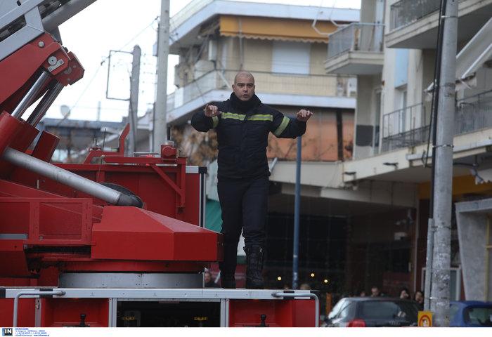 Φωτιά σε κτίριο που στεγάζεται πολυκατάστημα στη Μεσογείων - Φωτο - εικόνα 7