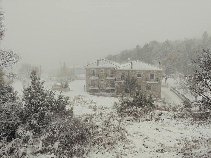 Στα λευκά και ο Κοσμάς Κυνουρίας - Μαγική ορεινή Πελοπόννησος [εικόνες]