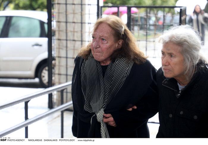 Θάνος Μικρούτσικος: Απαρηγόρητη η πρώην σύζυγός του, Ειρήνη Ιγγλέση - εικόνα 2