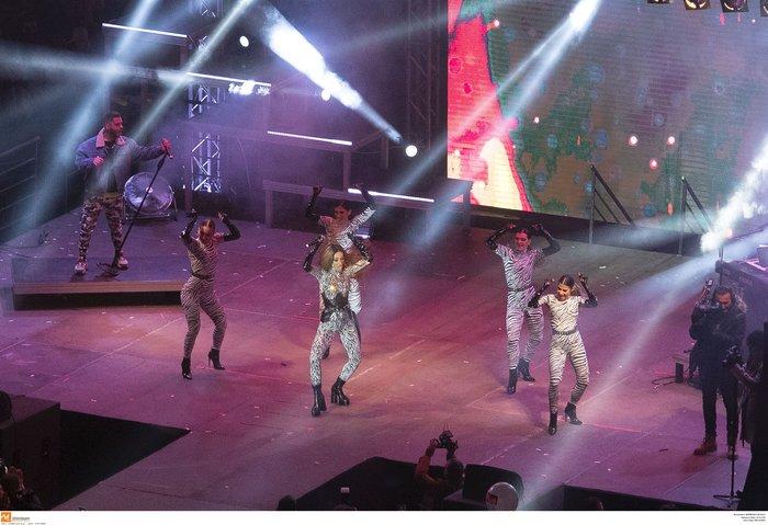 Πρωτοχρονιά 2020: Υπερθέαμα με πυροτεχνήματα Φουρέιρα & βιολιά στη Θεσ/νίκη - εικόνα 7