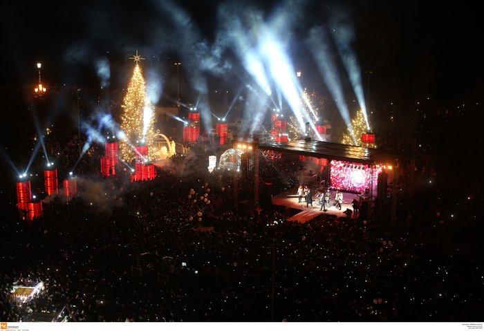 Πρωτοχρονιά 2020: Υπερθέαμα με πυροτεχνήματα Φουρέιρα & βιολιά στη Θεσ/νίκη - εικόνα 11