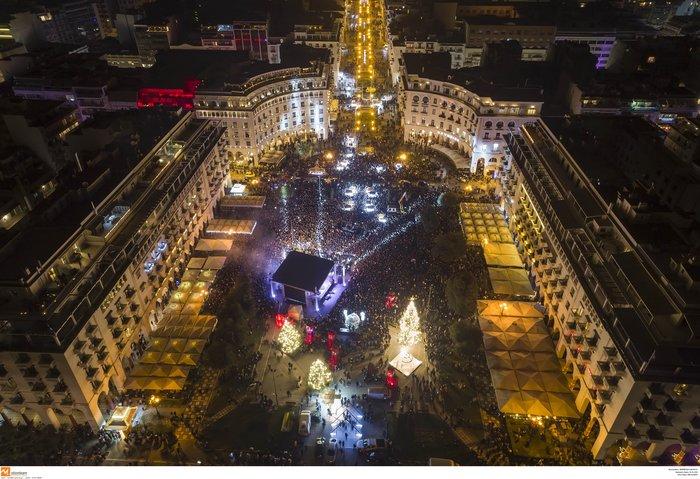 Πρωτοχρονιά 2020: Υπερθέαμα με πυροτεχνήματα Φουρέιρα & βιολιά στη Θεσ/νίκη - εικόνα 4