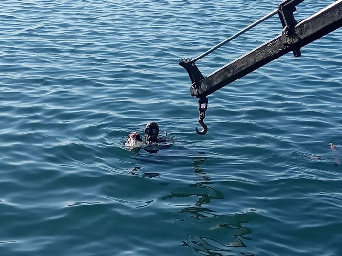 Αυτοκίνητο έπεσε στη θάλασσα στο λιμάνι του Αστακού