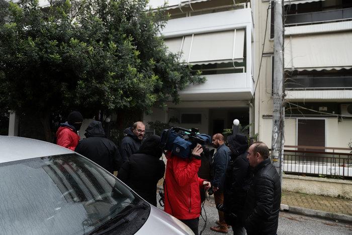 Σοκ στην Πεύκη: Μητέρα πέταξε την κόρη της από το μπαλκόνι και αυτοκτόνησε - εικόνα 4