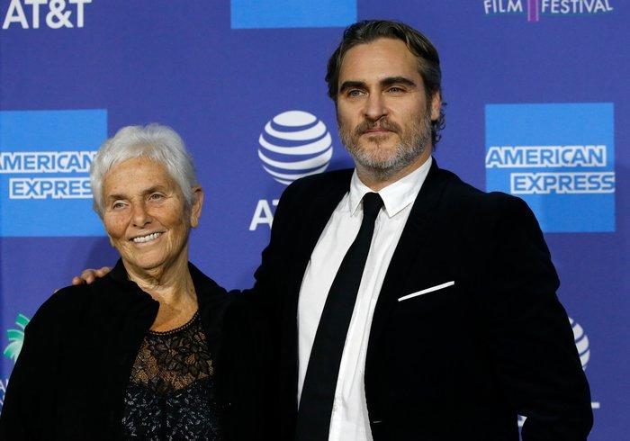 Ο Joaquin Phoenix σε φεστιβάλ σινεμά με τη μητέρα του [εικόνες] - εικόνα 3