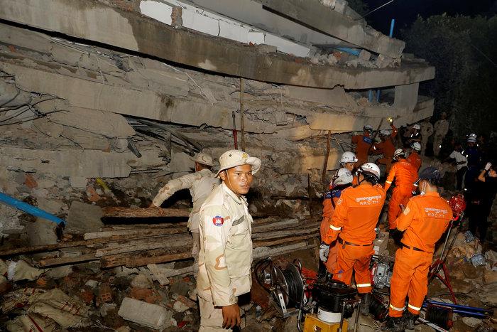 Kατάρρευση κτιρίου στην Καμπότζη - 10 νεκροί και 23 τραυματίες