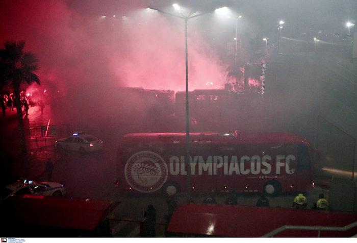 Δακρυγόνα πριν το ντέρμπι Ολυμπιακού - Παναθηναϊκού